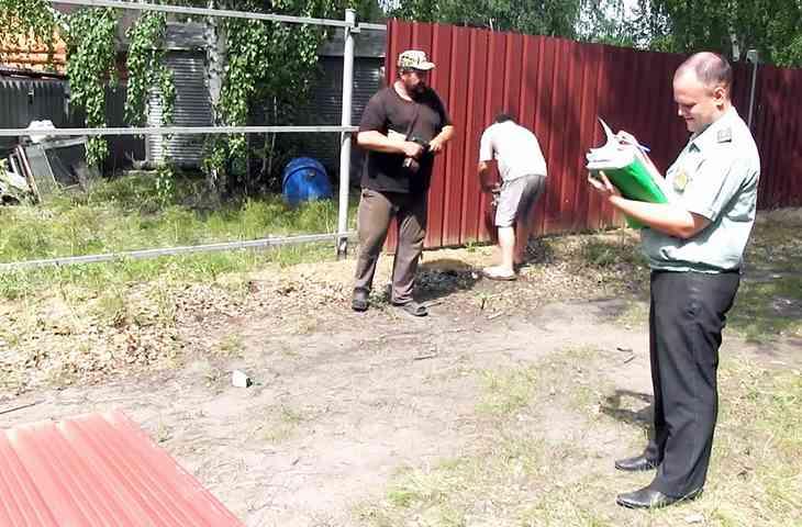 Соседи сломали забор вызов полиции