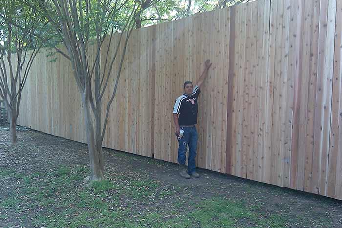 Как построить высокий забор