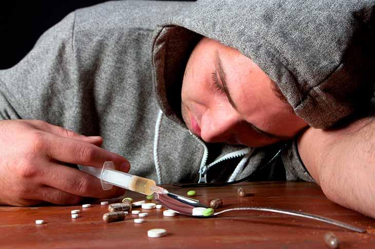 Как избавиться от наркоманов по соседству